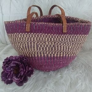 Beautiful vintage straw bohemian market beach bag